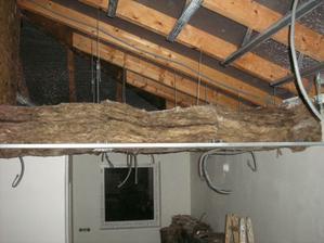 strop nad kuchyňou
