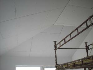 strop v obývačke