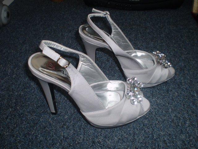 Nase pripravy :))) - A topanky k nim-naj svadobny ulovok
