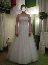 23 - Takový styl se mi od začátku líbil, ale tyhle šaty nejsou ty pravé.
