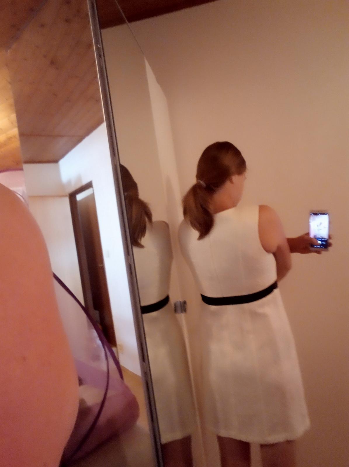 Krajkové šaty vel. 38 - Obrázek č. 3