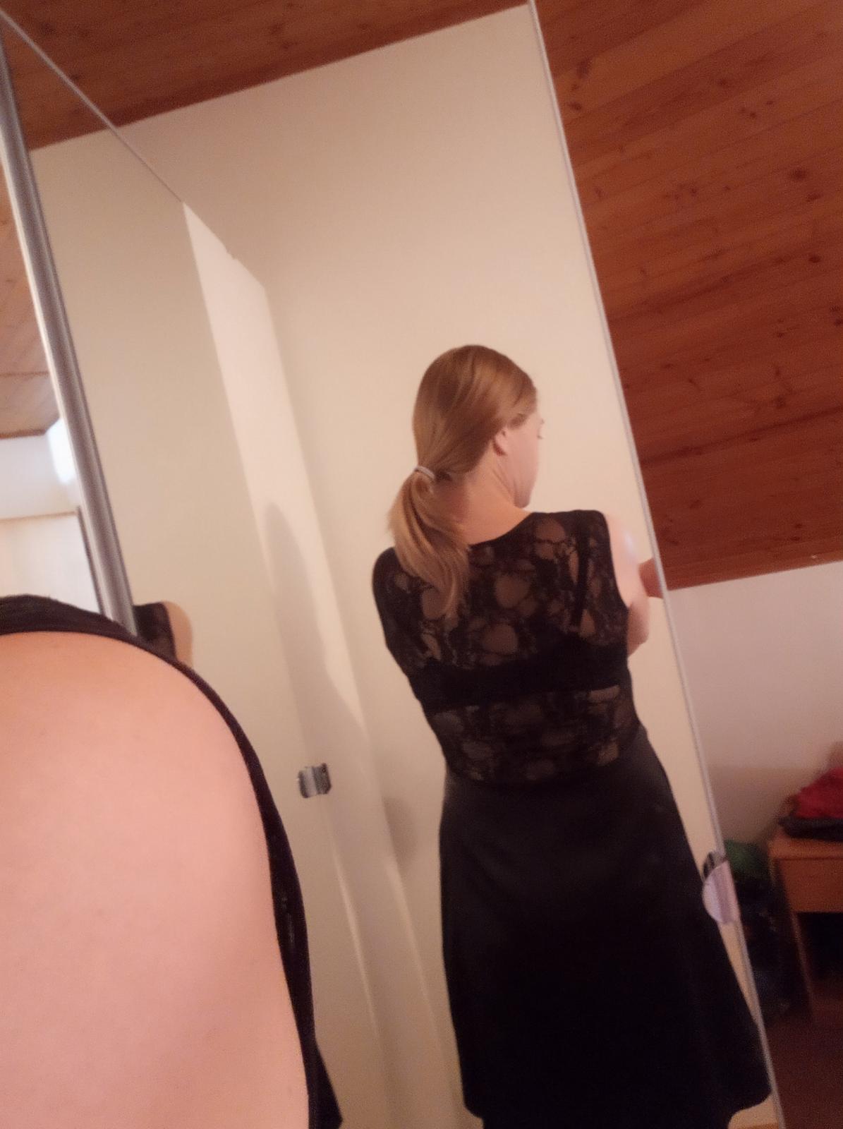 Krajkové saténové šaty vel. 38 - Obrázek č. 1