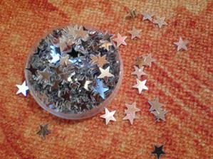 konfety na stůl