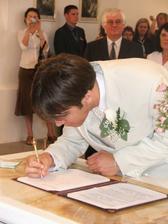 a podpisy......