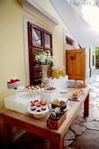 Foto: http://top-art.sk/blog. Priestory, catering, candy bar, výslužky, svadobná torta, výzdoba, ubytovanie: www.castel.sk