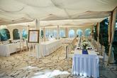 Foto: Peter Brichta. Priestory, hostina, candy bar, svadobná torta, výslužky, ubytovanie, výzdoba: www.castel.sk