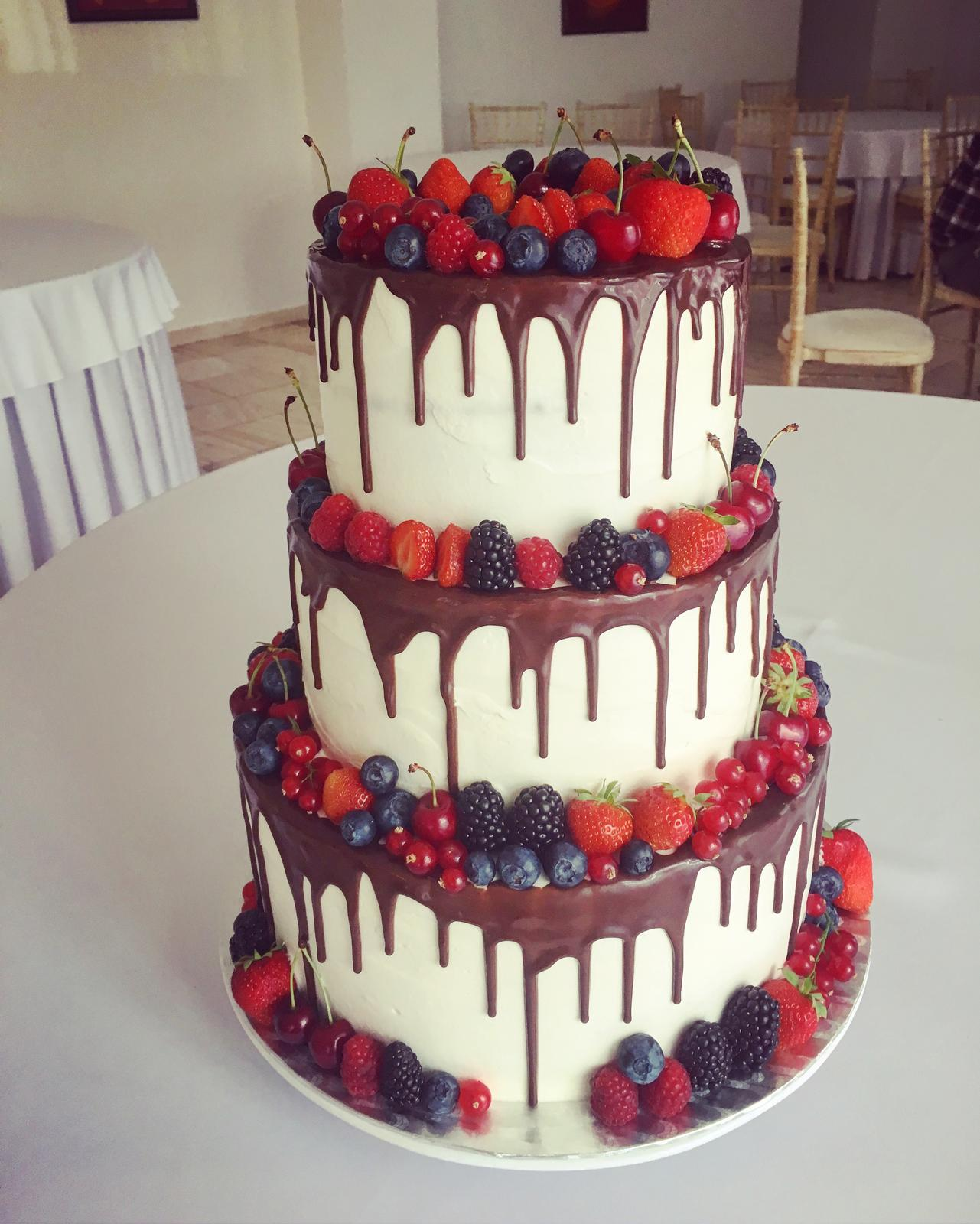Svadobné torty od Castel Cakes & Sweets - Realizácia: http://castel.sk/cakes-sweets/