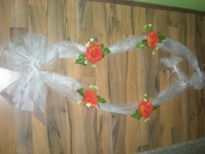 pro ženicha..jen vyměnit květiny