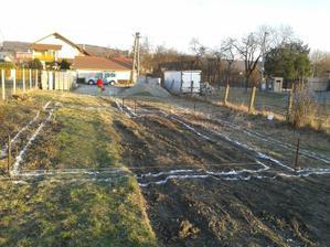 24.03. 2012 - ... ihrisko označené a ide sa hrať :)