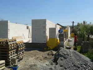 30.04. 2012 - naša betonárka ... syn Dominik