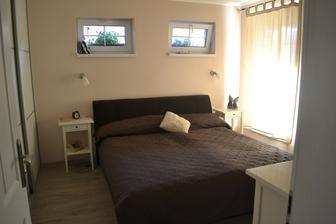 konečne normálna manželská posteľ, ktorá už nie je zakliesnená medzi stenami ako na byte :)