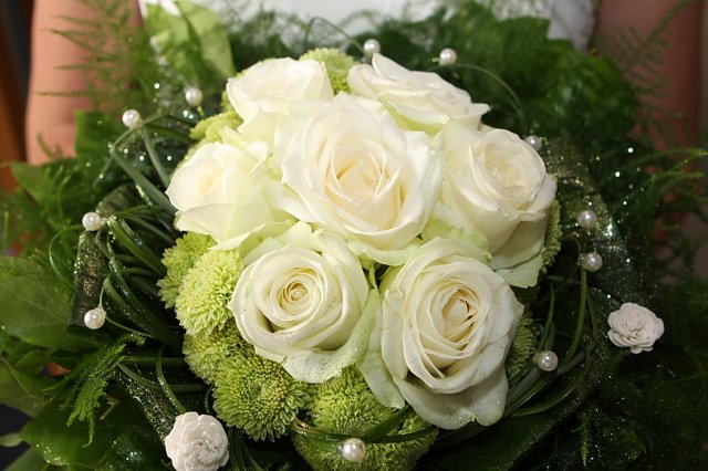 G{{_AND_}}V - kyticu som ani nemala mať, ale poslal mi manželov šéf, tak som z nej urobila svadobnú