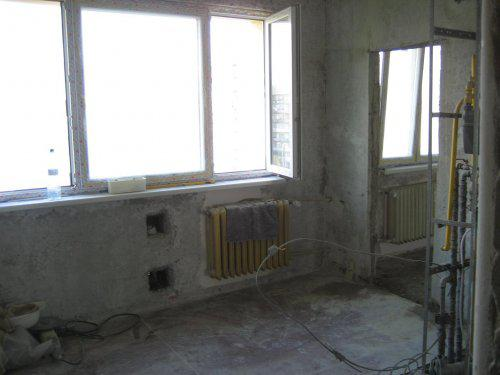 Konecne vlastny bytik (Košice) - rekonštrukcia - vymenene okna (kuchyna a obyvacka)