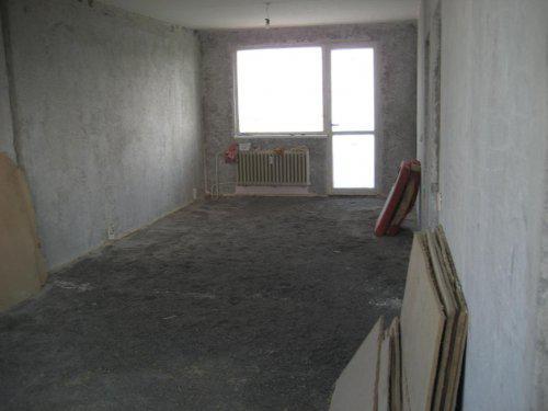 Konecne vlastny bytik (Košice) - rekonštrukcia - pracovna a balkon