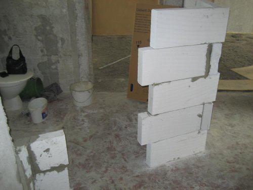Konecne vlastny bytik (Košice) - rekonštrukcia - tu budu dvere do kupelne, v rohu sprchovaci kut