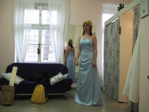 zkouška šatů