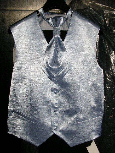 9. september 2006 - vestička pre ženícha, je  bledomodrá