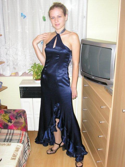 9. september 2006 - Moje ušité šaty podľa predošlého obrásku (podobajú sa?)