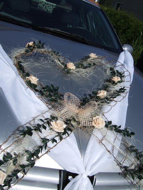 Vyzdoby svadobných  áut - vyzdoba svadobného auta - pekné