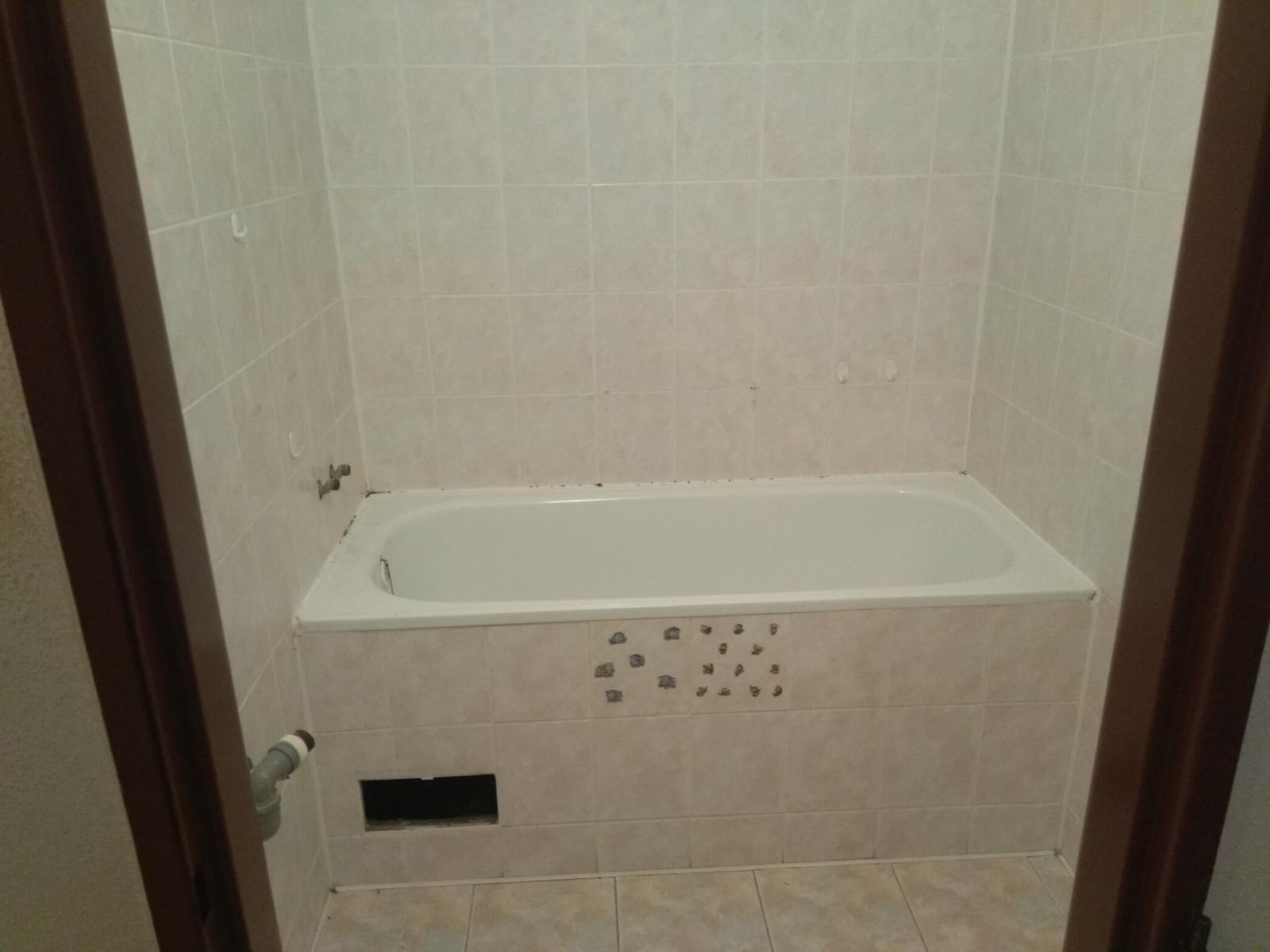 Prerábka panelákovej kúpelne a wc - Stará kúpelka