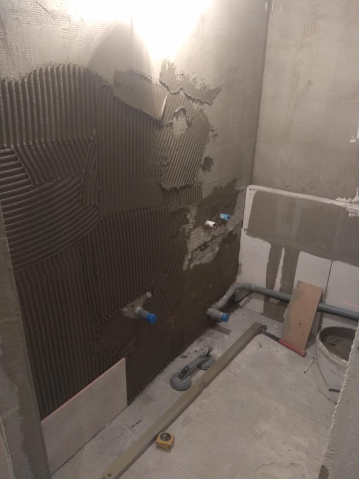 Prerábka panelákovej kúpelne a wc - Lepíme o 106