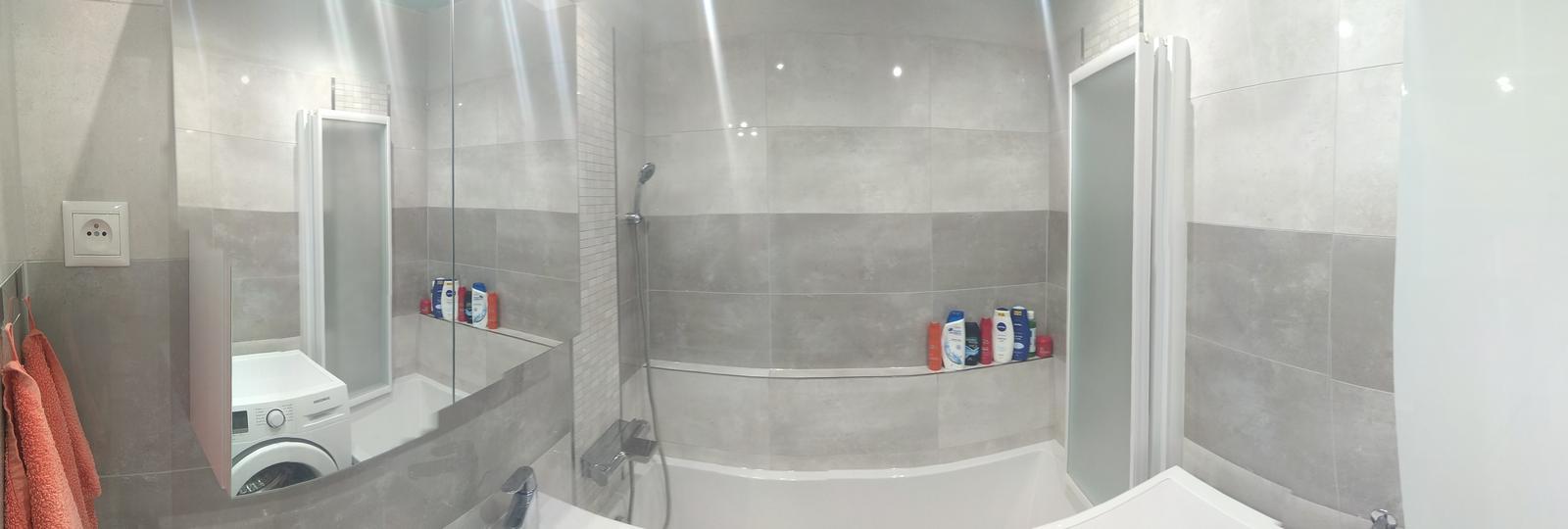 Prerábka panelákovej kúpelne a wc - Obklad Estrella grey, Estrella graphite, Estrella mozaika. Dlažba ROYALWOOD Brown