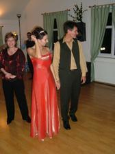 popolnočné šaty... sú lososové, nie takejto farby :-)