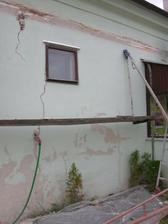"""sikovny"" murar nevedel opravit poskodenu staru rimsu, tak ju ""zaplacal"" betonovou omietkou :( 2 dni roboty"