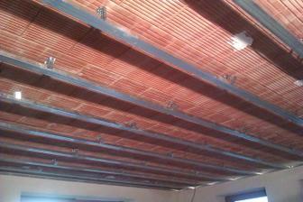 a uz pracujeme na sadrokartonovych stropoch