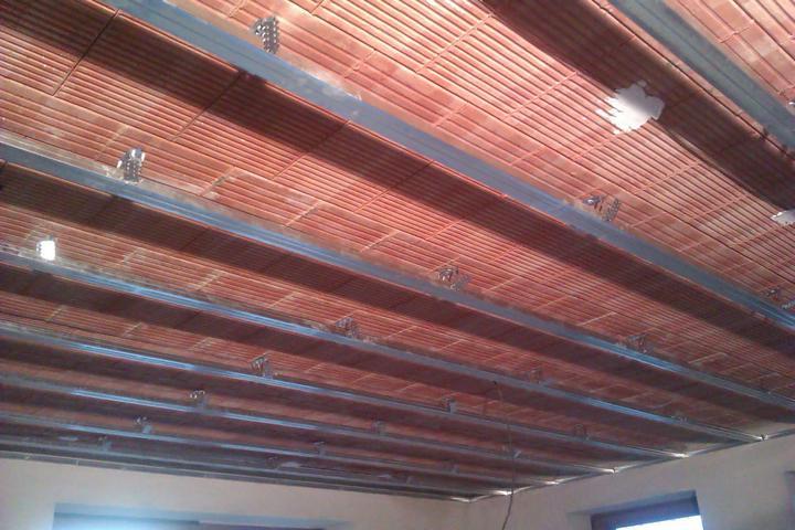 Náš domček IDEAL z Prodomu - a uz pracujeme na sadrokartonovych stropoch