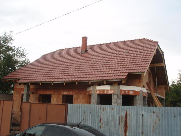 Náš domček IDEAL z Prodomu - Konecne sme sa dockali, hruba stavba hotova. :D