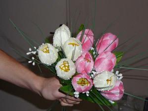 tulipány na dekoráciu l.