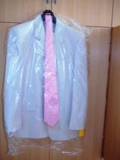 ženíchov svadobný oblek