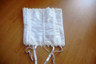 korzet pod svadobné šaty