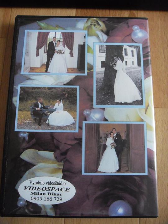 Lenka{{_AND_}}Janko - Zadná strana nášho svadobného dvd.... v nejakom takomto duchu sa budú nachádzať naše fotečky......