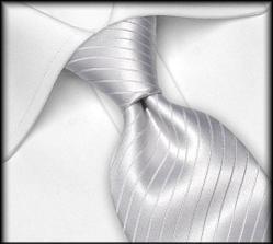 kravata taky nesmí chybět