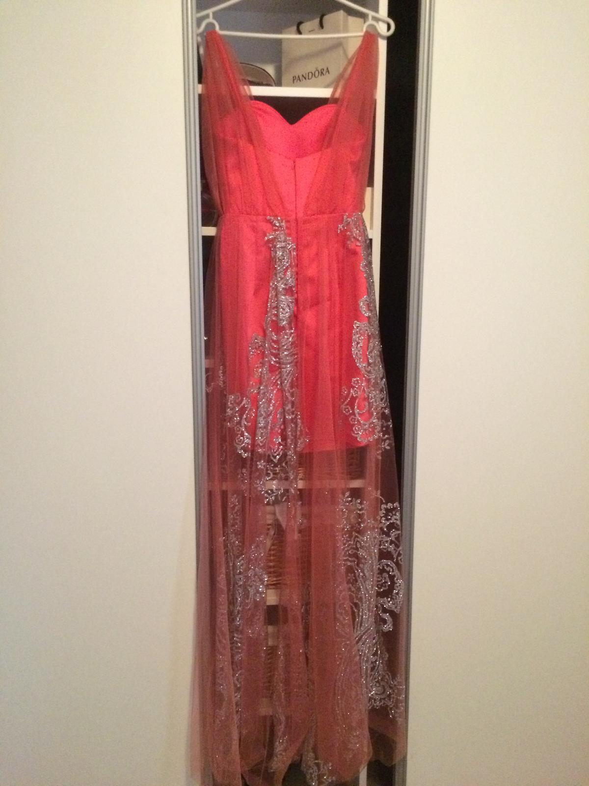 Luxusné spoločenské šaty - Obrázok č. 2