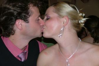 a to sme my dvaja na svadbe jeho brata z pred dvoch rokov...: )))