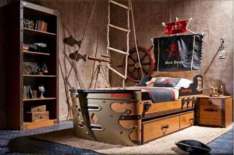 Tahle postel je úžasná :-)    ....bohužel, není na ní prostor :-(