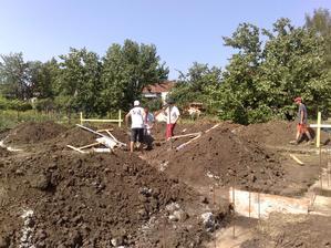 30.6.2012 - dobetonovavanie toho chybajuceho betonu... 2 hodky a bolo po sichte