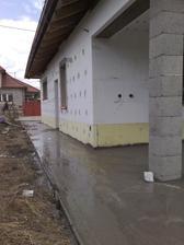 beton pod vonkajsiu dlazbu 27.3.2014