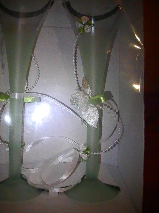 Svadobné šaty a všetko ostatné, čo už máme - naše poháre...po dlhom hľadaní konečne zelené :-)