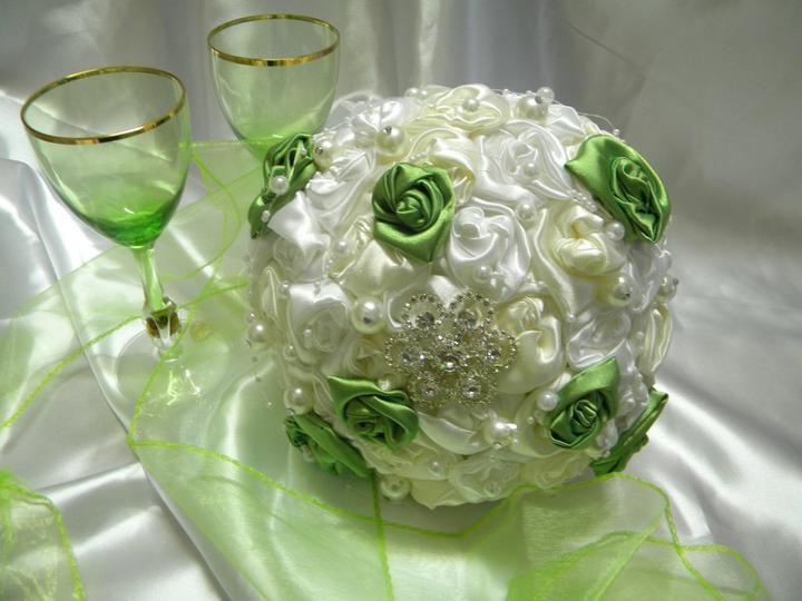 Svadobné šaty a všetko ostatné, čo už máme - moja krásna kytička  od lucia_135