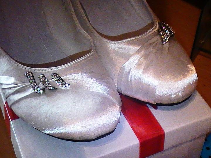 Svadobné šaty a všetko ostatné, čo už máme - detail topanok...