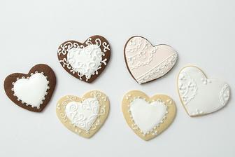 Perníčky pre hostí - malý darček s našimi iniciálkami a dátumom svadby :)