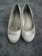 svatebni boty- musim jeste vycistit jsou spinave od blata :D tak snad to pujde