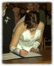 Nevěsta se učí nový podpis