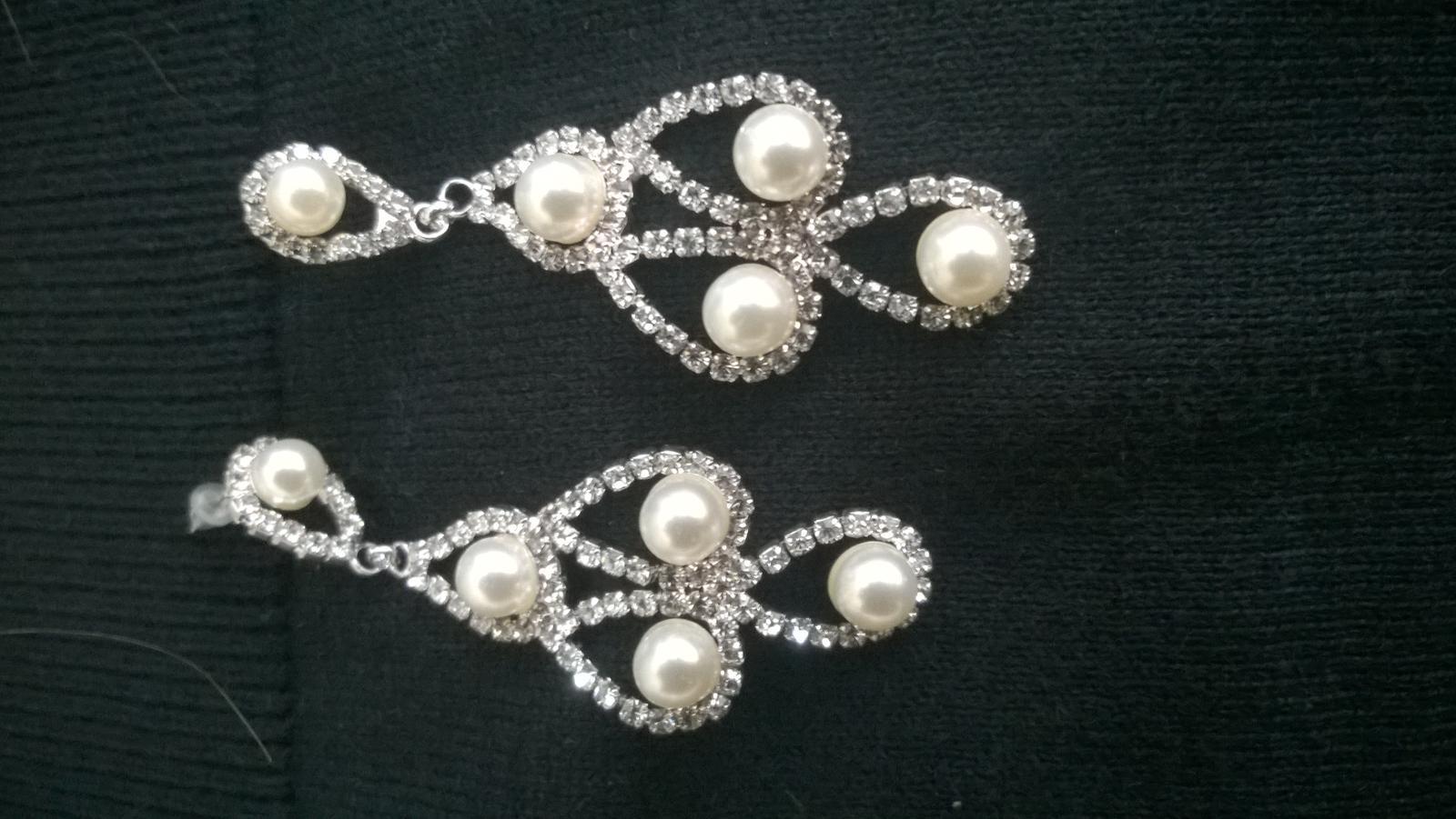 štrasové náušnice s perličkami - Obrázok č. 1