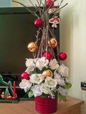 Tuto ozdobu som urobila podla inspiracie, ktoru som nasla u nas v kvetinarstve (a vysla presne tak, ako som si predstavovala, aj ked som sa s nou hrala takmer dve hodiny)
