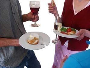Medzierka v tanieri na pohar na party